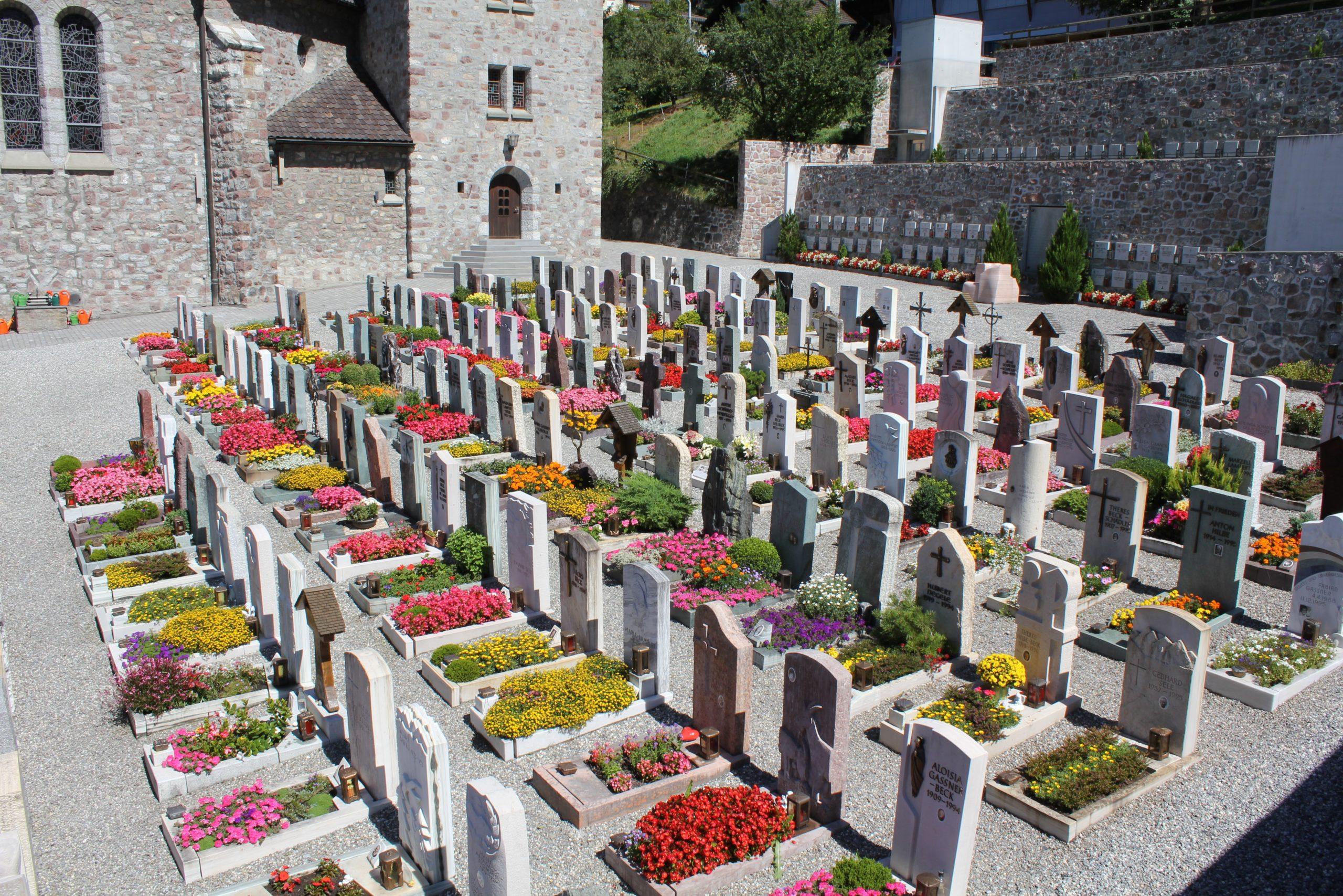 cemetery-3592683